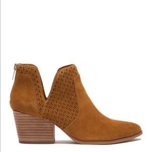 NWT Vince Camuto Norva pumpkin spice boots 8.5